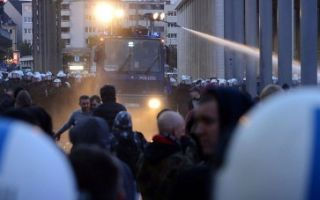 Призывы к массовым беспорядкам: наказание и предотвращение преступления