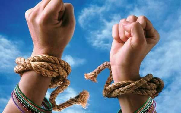 Помилование – кто может помиловать заключённого и, кто имеет право просить о помиловании?