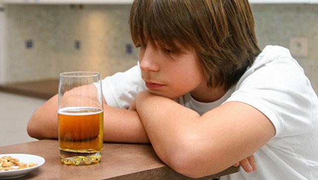 Вовлечение несовершеннолетних в распитие спиртных напитков – состав преступления, ответственность по УК РФ