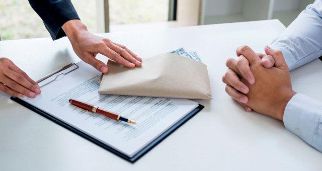 Незаконное получение кредита: состав преступления, ответственность по статье 176 УК РФ