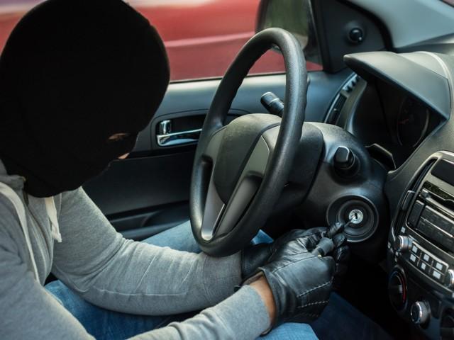 Угон автомобиля: что делать, если автомобиль угнали и как избежать?