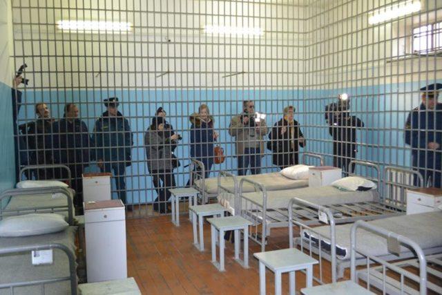 Колонии общего режима – условия содержания, режим, кого туда направляют