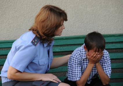Постановка несовершеннолетнего на учет – в каких ситуациях имеет место, чем грозит ребенку