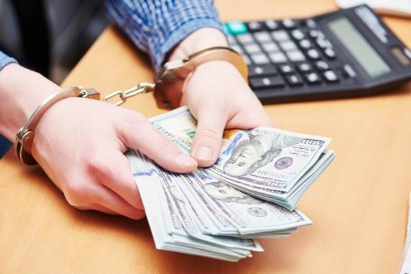 Вымогательство взятки должностным лицом – признаки преступления