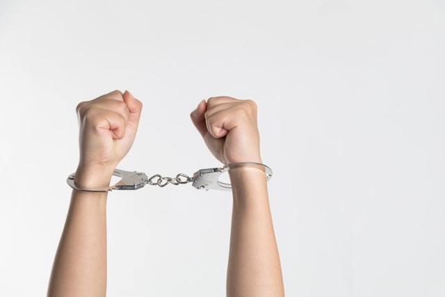 Ответственность за спайсы в России, статья УК РФ за спайсы, наказание за распространение