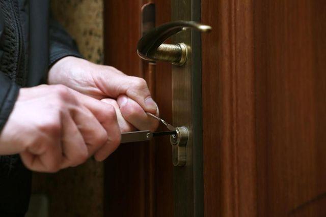 Нарушение неприкосновенности жилища - бесплатная помощь юриста