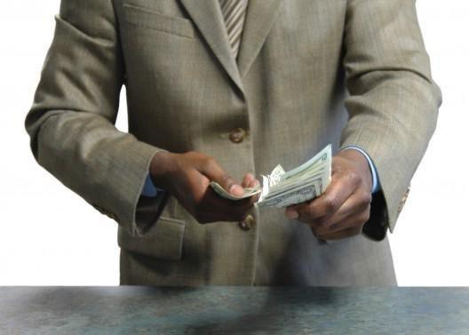 Вымогательство: что делать, если вымогают деньги?