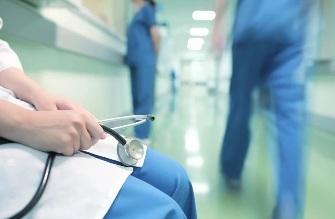 Куда обращаться, если допущена врачебная ошибка, как можно себя обезопасить