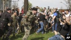 Избили на митинге, что делать, как себя защитить, куда обращаться